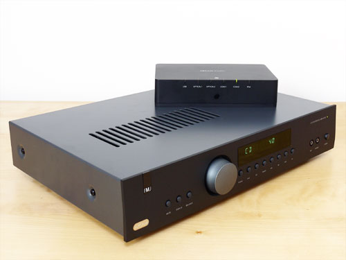 Arcam FMJ A19 Integrated Amplifier and irDAC Digital-to