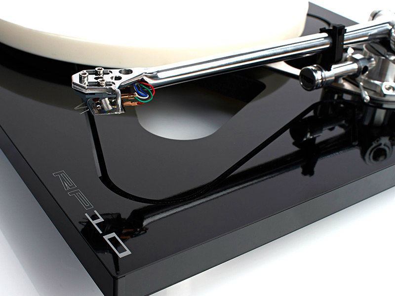 Rega Rp10 Turntable The Audio Beat Www Theaudiobeat Com